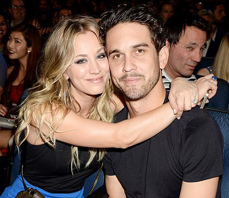 Kaley Cuoco and Ryan Sweeting attend The 40th Annual People's Choice Awards at Nokia Theatre L.A. Live on January 8, 2014 in Los Angeles, California