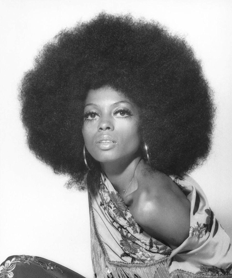 "<h3>Diana Ross<br></h3><br>Diana Ross has rocked many different hair looks over the years. The only requirement: The hair must be <em>big</em>. Everyone — from Yara Shahidi to Rihanna — is <a href=""https://www.refinery29.com/en-us/2018/02/189603/hollywood-red-carpet-hair-diana-ross-inspiration"" rel=""nofollow noopener"" target=""_blank"" data-ylk=""slk:wearing voluminous curls"" class=""link rapid-noclick-resp"">wearing voluminous curls</a> inspired by the music icon, but none can touch the fabulous, high-glam that Ross made famous. For this look, you'll need an Afro pick and a mic to carry around.<span class=""copyright"">Photo: Harry Langdon/Getty Images.</span>"