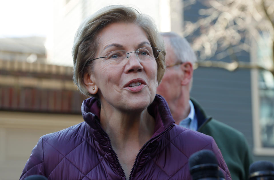 Democratic U.S. presidential candidate Senator Elizabeth Warren talks to reporters outside her house about the end of her 2020 campaign for U.S. president after informing her staff that she is withdrawing from the U.S. presidential race in Cambridge, Massachusetts, U.S., March 5, 2020. REUTERS/Brian Snyder