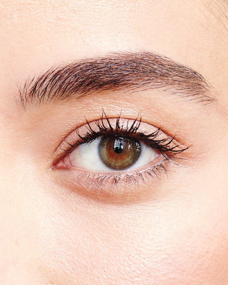 What's a Lash Lift, and Should I Get One Before My Wedding?