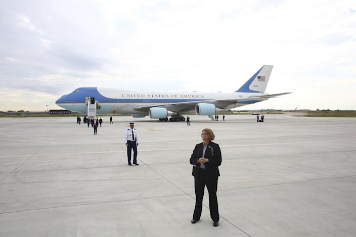 <p>Air Force One sits on the tarmac after President Donald Trump and First Lady Melania arrived at Orly airport, south of Paris, Thursday July 13, 2017. (Photo: Thibault Camus/AP) </p>
