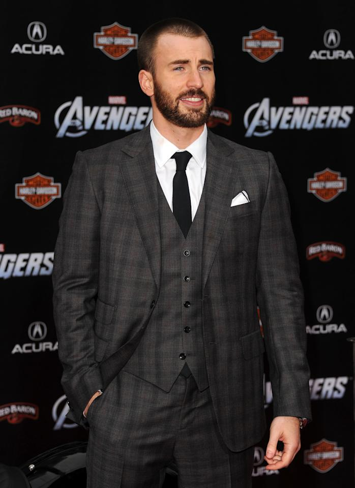 """HOLLYWOOD, CA - APRIL 11:  Actor Chris Evans arrives at the premiere of Marvel Studios' """"The Avengers"""" at the El Capitan Theatre on April 11, 2012 in Hollywood, California.  (Photo by Kevin Winter/Getty Images)"""