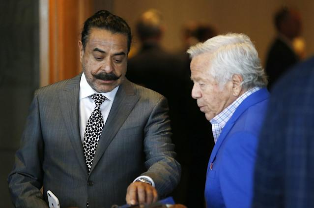 Jacksonville owner Shad Khan (L) and New England owner Robert Kraft will be at the May league meetings next week. (AP)