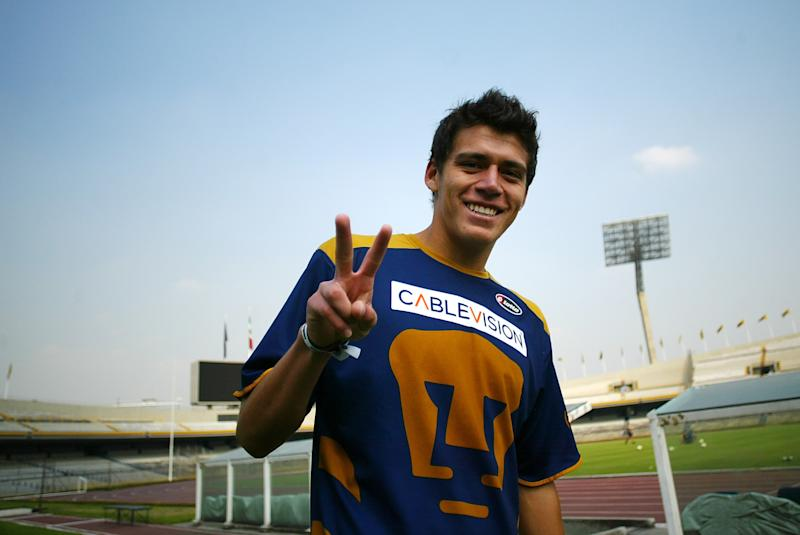 MEXICO CITY, MEXICO - DECEMBER 04: Pumas' Hector Moreno during their training sesion at the Olympic Stadium on December 4, 2007 in Mexico City, Mexico (Photo by Juan Villa/Jam Media/LatinContent via Getty Images)