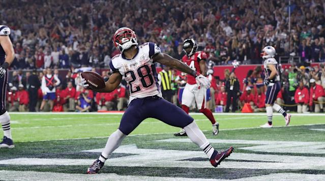 The New England Patriots have reached a three-year extension with James White, according to ESPN's Adam Schefter.