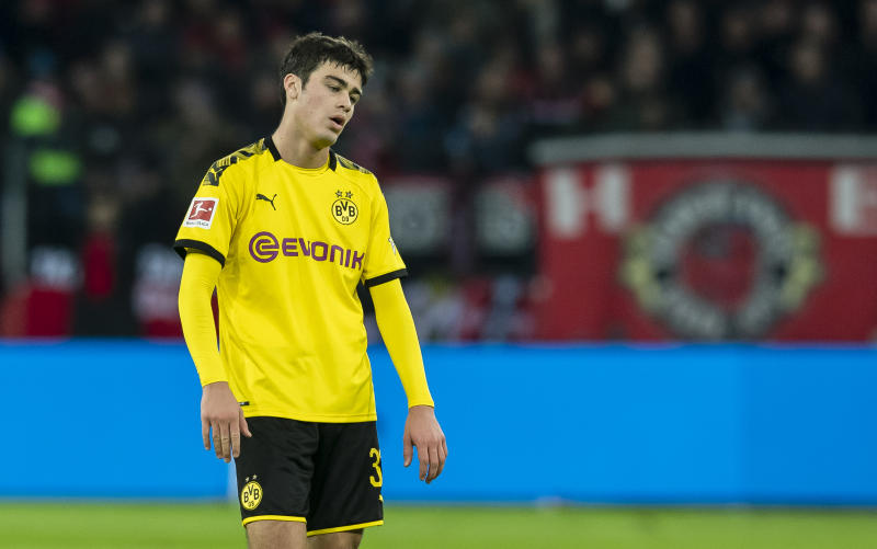 LEVERKUSEN, GERMANY - FEBRUARY 08: Giovanni Reyna of Borussia Dortmund after the final whistle during the Bundesliga match between Bayer 04 Leverkusen and Borussia Dortmund at the BayArena on February 08, 2020 in Leverkusen, Germany. (Photo by Alexandre Simoes/Borussia Dortmund via Getty Images)