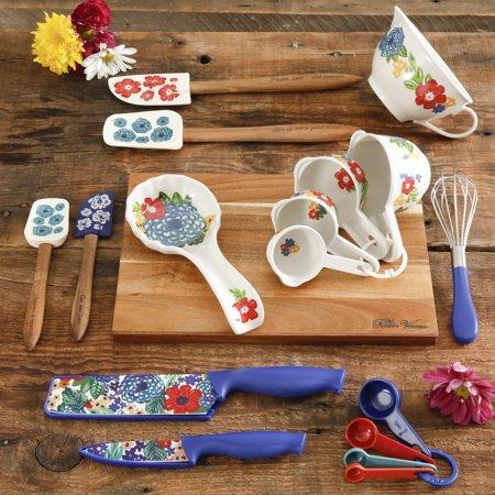 The Pioneer Woman Dazzling Dahlias 20-Piece Gadget Set (Photo: Walmart)