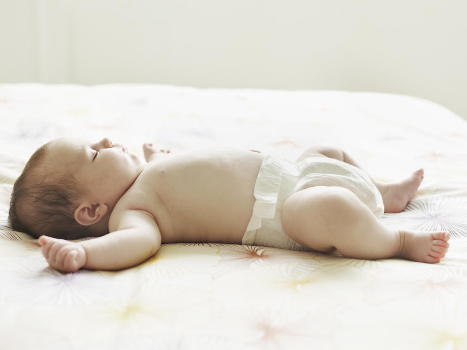 The Lullaby Trust has issued advice for parents about keeping babies cool in the heatwave [Photo: Getty]