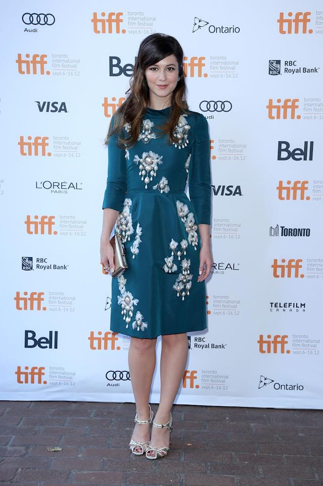 """BEST: Mary Elizabeth Winstead looked beautiful and elegant at the premiere of her indie drama """"Smashed."""" The dark teal of the frock offsets her brown hair and we adore the pearl detailing."""