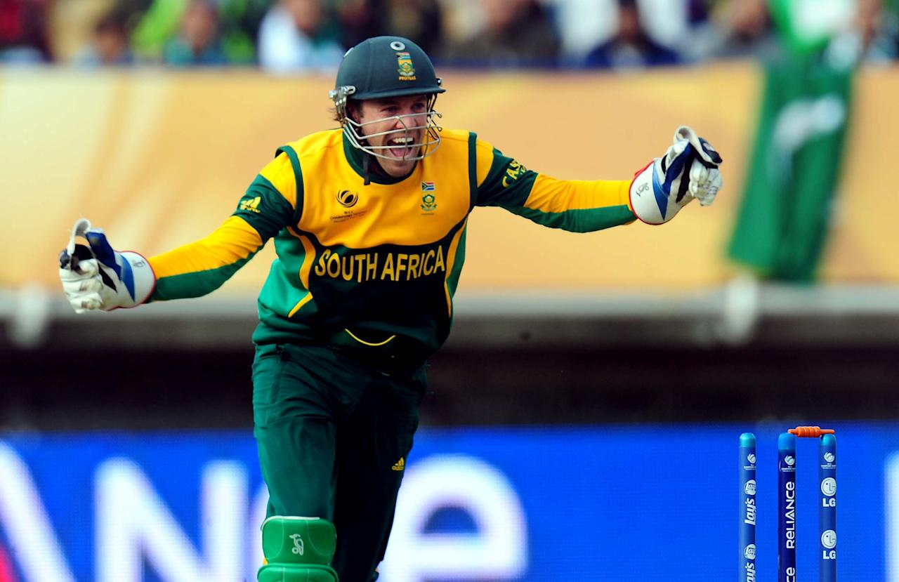 South Africa's captain AB De Villiers celebrates Pakistan's Shoaib Malik wicket bowled by JP Duminy during the ICC Champions Trophy match at Edgbaston, Birmingham.