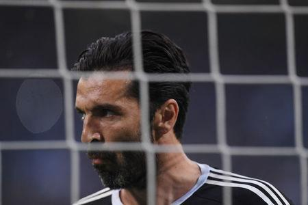 Soccer Football - Serie A - Inter Milan vs Juventus - San Siro, Milan, Italy - April 28, 2018 Juventus' Gianluigi Buffon warms up REUTERS/Alberto Lingria/Files
