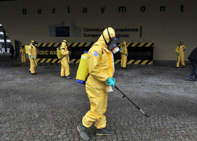 Opponents of glyphosate, led by Greenpeace, point to research from the World Health Organization that concludes it may be carcinogenic, and are calling for an outright ban
