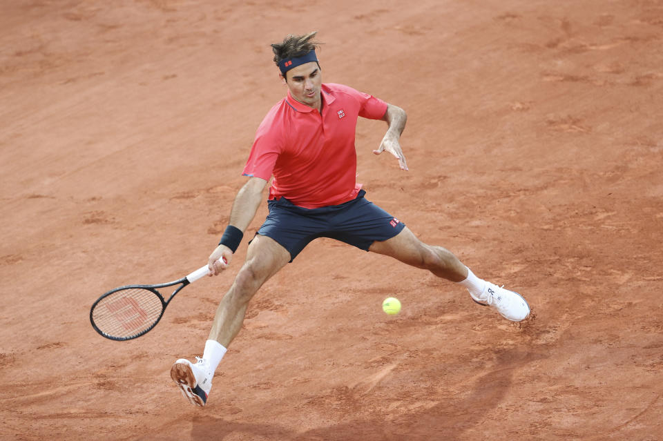 Roger Federer pulled out of French Open to rest his knee.