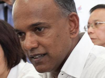 Law Minister K Shanmugam explains the role of the President as laid out in the Constitution. (Yahoo! photo)
