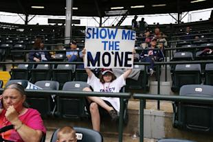 Autographs from Mo'ne Davis are already selling on eBay. (AP)
