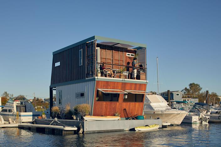 "Kairu is a Japanese word that means ""frog""—apt for the couple's amphibious home in the Rockaways."