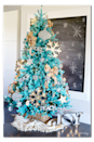"""<p>Pair soft gold accents with a vibrant turquoise tree to create this head turning display.</p><p><strong><em>Get the tutorial at <a href=""""https://sugarbeecrafts.com/rustic-modern-dream-tree-reveal"""" rel=""""nofollow noopener"""" target=""""_blank"""" data-ylk=""""slk:Sugar Bee Crafts"""" class=""""link rapid-noclick-resp"""">Sugar Bee Crafts</a>.</em></strong></p><p><a class=""""link rapid-noclick-resp"""" href=""""https://www.amazon.com/Aokbean-Snowflakes-Christmas-Wedding-Supplies/dp/B07ZGGXCLH/?tag=syn-yahoo-20&ascsubtag=%5Bartid%7C10070.g.2025%5Bsrc%7Cyahoo-us"""" rel=""""nofollow noopener"""" target=""""_blank"""" data-ylk=""""slk:BUY BURLAP BOWS"""">BUY BURLAP BOWS</a> </p>"""