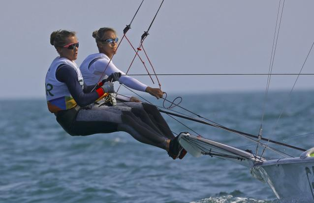 2016 Rio Olympics - Sailing - Preliminary - Women's Skiff - 49er FX - Race 7/8/9 - Marina de Gloria - Rio de Janeiro, Brazil - 15/08/2016. Charlotte Dobson (GBR) of Britain and Sophie Ainsworth (GBR) of Britain compete. REUTERS/Brian Snyder FOR EDITORIAL USE ONLY. NOT FOR SALE FOR MARKETING OR ADVERTISING CAMPAIGNS.