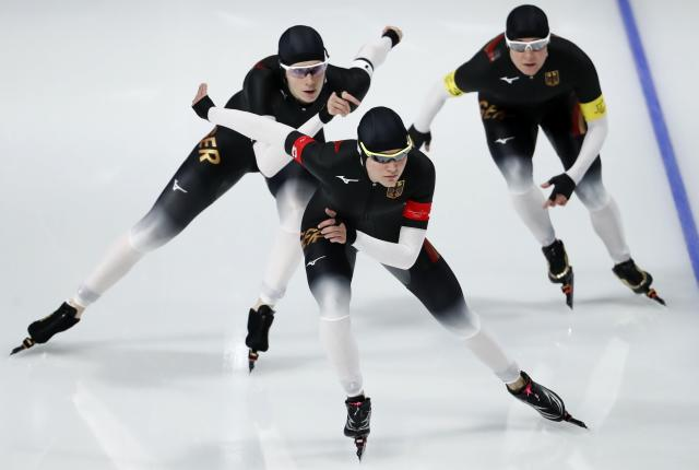 Speed Skating - Pyeongchang 2018 Winter Olympics - Women's Team Pursuit Competition Finals - Gangneung Oval - Gangneung, South Korea - February 21, 2018. Roxanne Dufter, Gabriele Hirschbichler and Claudia Pechstein of Germany in action. REUTERS/Damir Sagolj