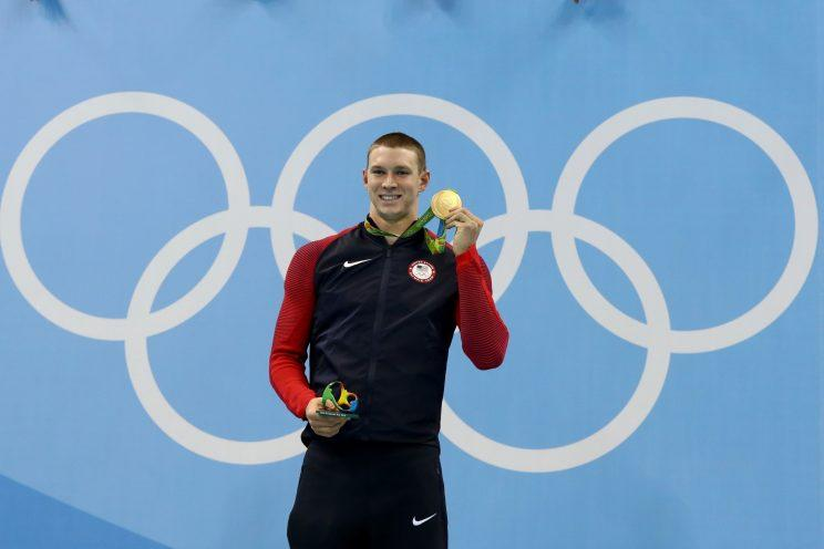Ryan Murphy poses after winning gold in the 100-meter backstroke at the Olympics in Rio de Janeiro. (Getty)