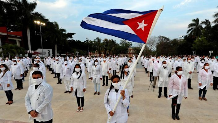 The Cuban doctors are to be deployed to different provinces in South Africa