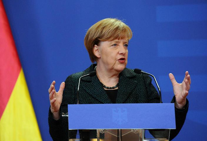 German Chancellor Angela Merkel was non-committal about the Greek proposals to ease the economic pressure generated by its massive foreign debt (AFP Photo/Attila Kisbenedek)