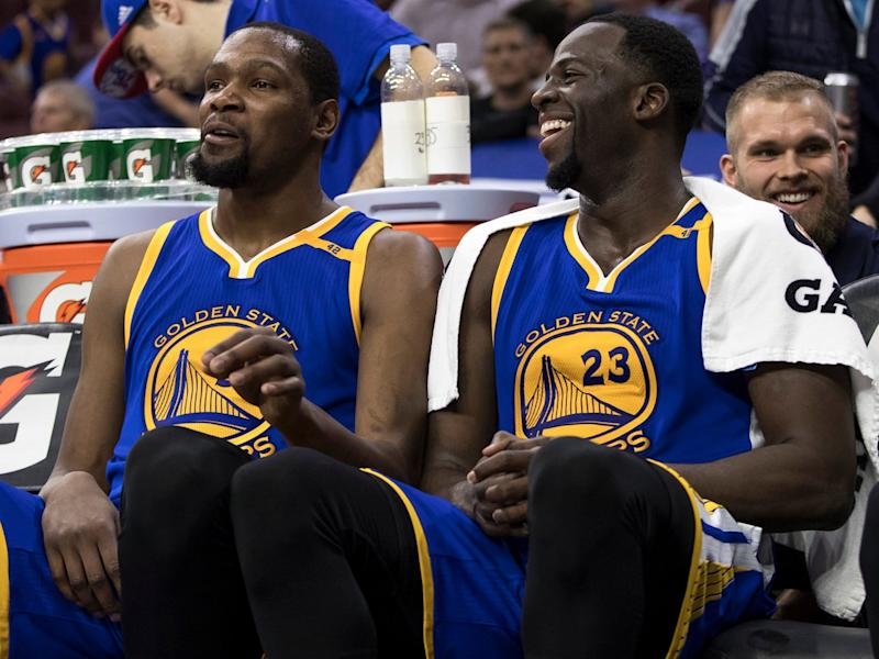 Warriors' Draymond Green stays in Game 4 after technical foul fiasco