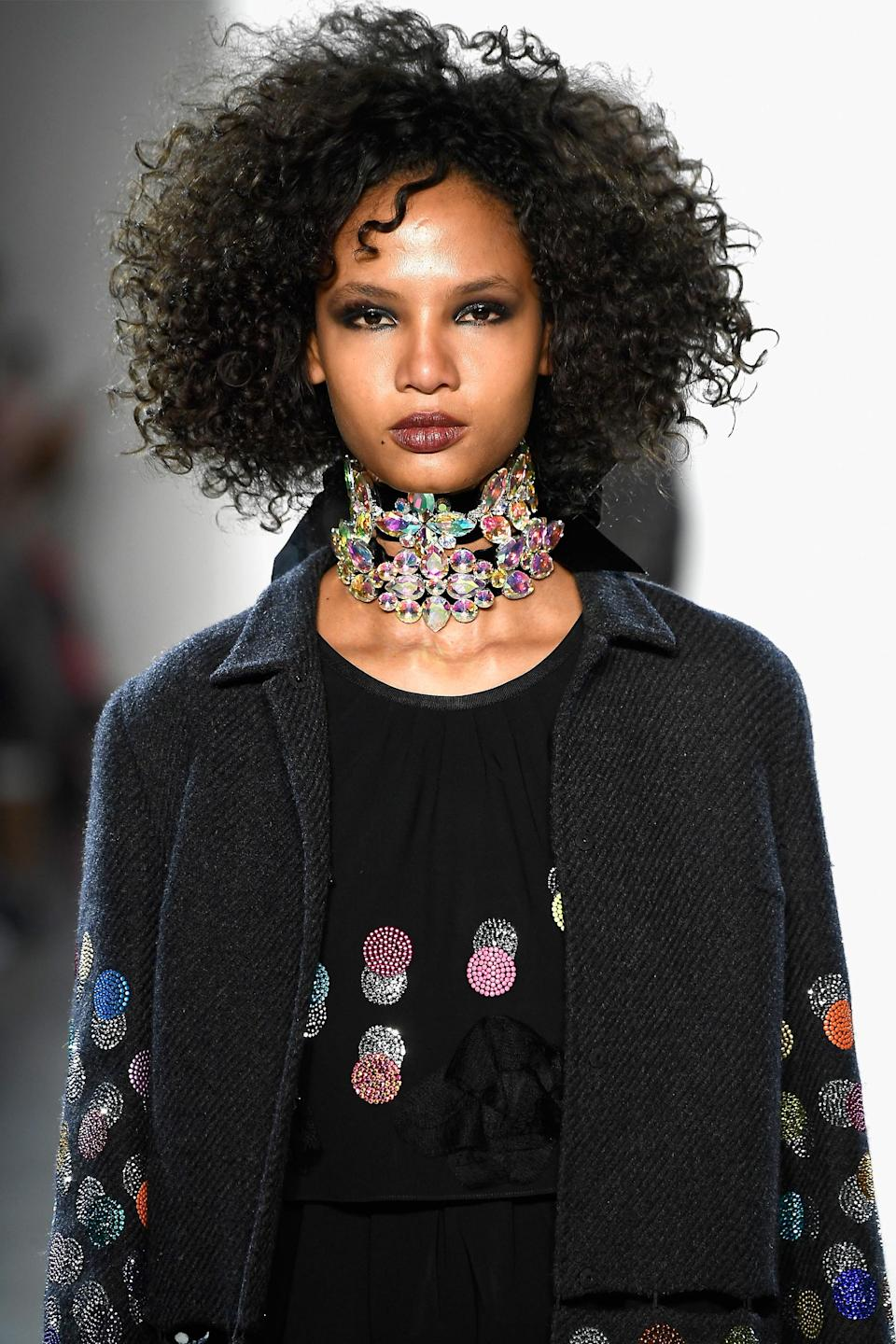 <p>The single curl in the front gives this look even more flair. (Photo: Getty Images) </p>