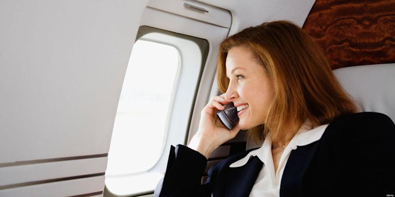 Gov't proposes letting airline passengers make phone calls