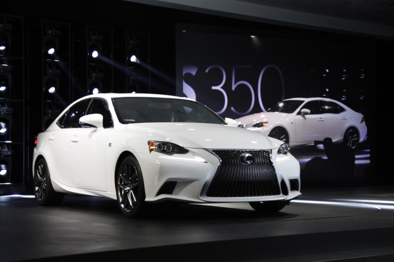 Lexus upgrades entry-level luxury with 2014 IS