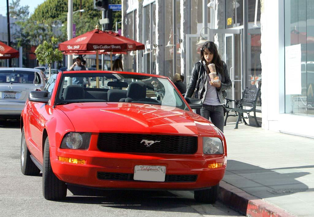 "Former ""Lost"" star Michelle Rodriguez grabbed a java-to-go in West Hollywood on Monday. The actress -- who was recently released from jail for drunk driving -- should avoid getting caught parking illegally! <a href=""http://www.infdaily.com"" target=""new"">INFDaily.com</a> - January 14, 2008"