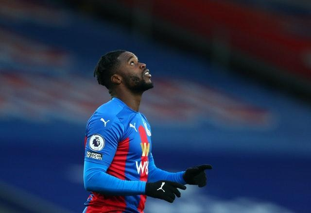 Jeffrey Schlupp scored the opener before going off with a hamstring injury
