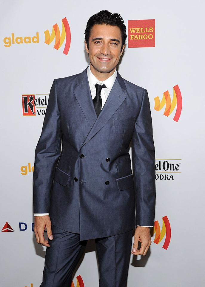 "<p class=""MsoNormal"">Former ""Brothers and Sisters"" actor and ""Dancing With the Stars"" contestant Gilles Marini tweeted about how hot his wife looked on his way to the soiree, but he was no slouch himself! The sexy star was suave as always in a navy suit.</p>"