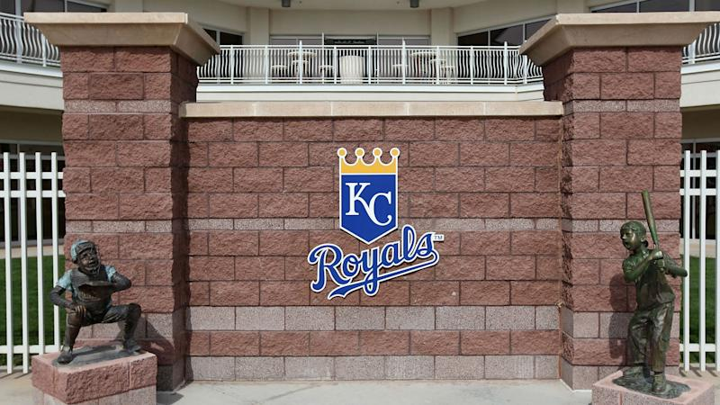 Royals sign 16-year-old pitcher from Japan