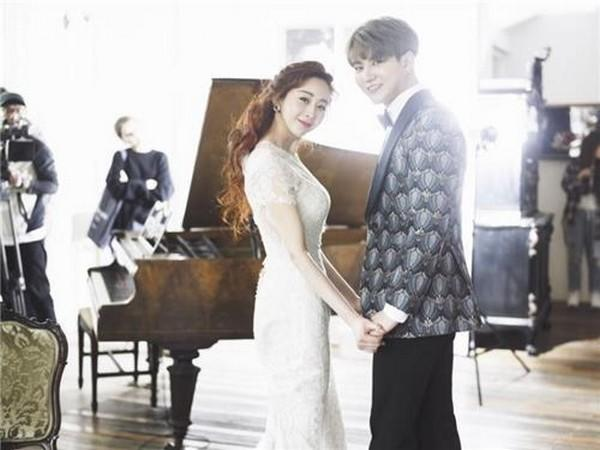 Married couple Ham So-won (left) and Jin Hua (Provided by TV Chosun)