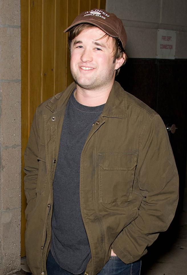 "In July 2006, Osment, then 18, was arrested after he crashed into a mailbox and flipped his car while driving drunk in Glendale, California. He ended up pleading no contest to driving under the influence of alcohol and to misdemeanor drug possession (after marijuana was found on him), was sentenced to three years probation and was ordered to enter rehab and pay $1,500 in fines. ""I would definitely not say that my childhood in this business caused that in any way but the response to it is definitely something that is affected by my place in the business. So for me it was a good lesson,"" he later said about the arrest. You can't blame the press for giving attention to incidents like that."""