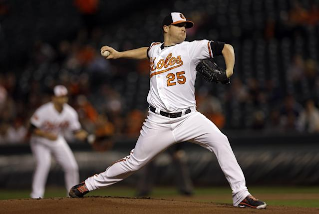 Baltimore Orioles starting pitcher Bud Norris throws to the Toronto Blue Jays in the first inning of a baseball game on Wednesday, Sept. 25, 2013, in Baltimore. (AP Photo/Patrick Semansky)