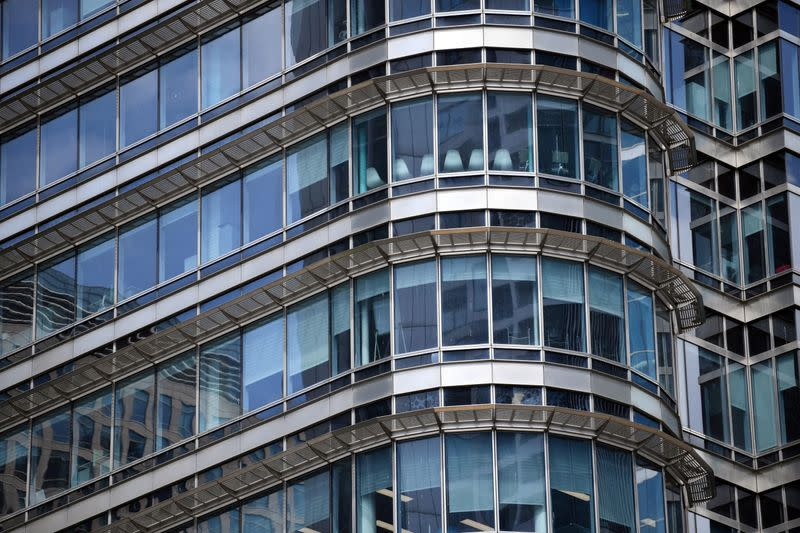 Many British employers mull smaller offices post-COVID - survey