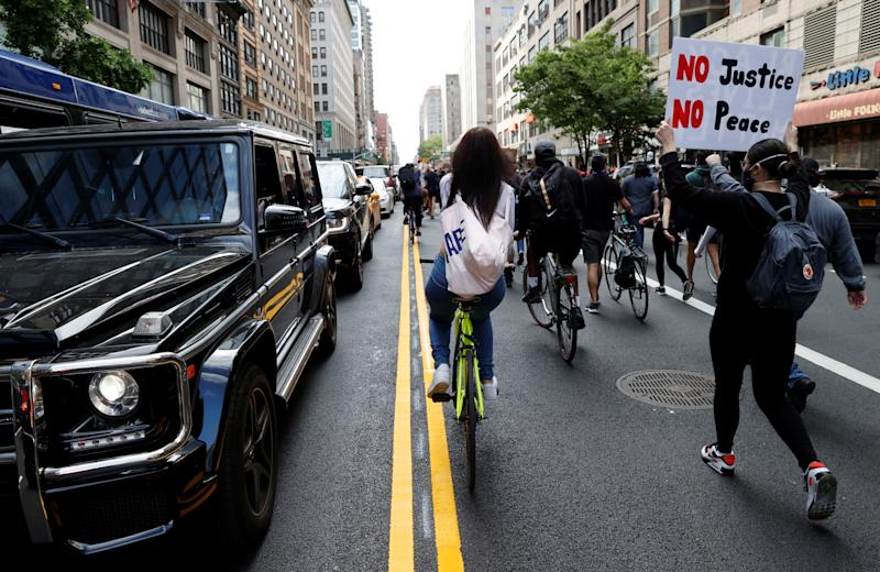 Protesters march against the death in Minneapolis police custody of George Floyd, in the Manhattan borough of New York City, U.S., June 1, 2020. REUTERS/Mike Segar