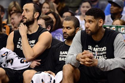 Manu Ginobili (left) and Tim Duncan (right) have given Parker advice on playing through injuries. (USA Today)