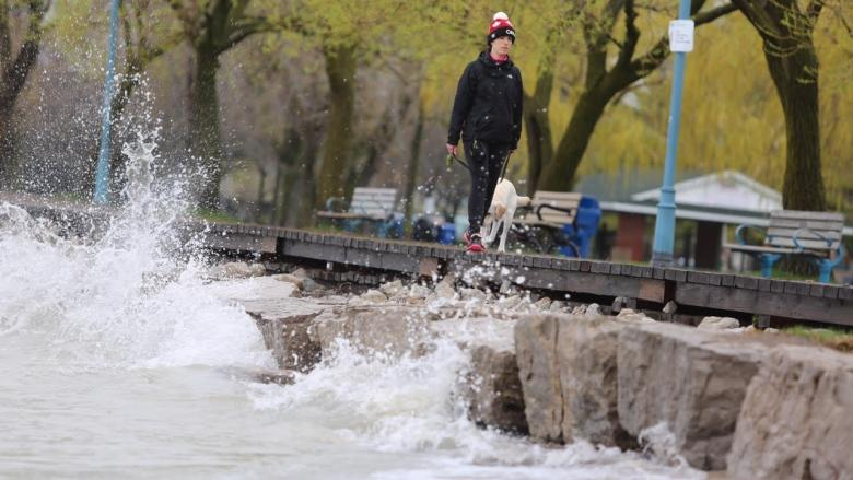 Central and Eastern Canada brace for rain and flooding