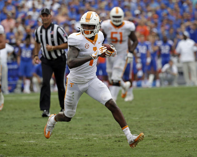 "Tennessee wide receiver <a class=""link rapid-noclick-resp"" href=""/ncaaf/players/266810/"" data-ylk=""slk:Marquez Callaway"">Marquez Callaway</a> runs against Florida during the second half of an NCAA college football game, Saturday, Sept. 16, 2017, in Gainesville, Fla. Florida won 26-20. (AP Photo/John Raoux)"