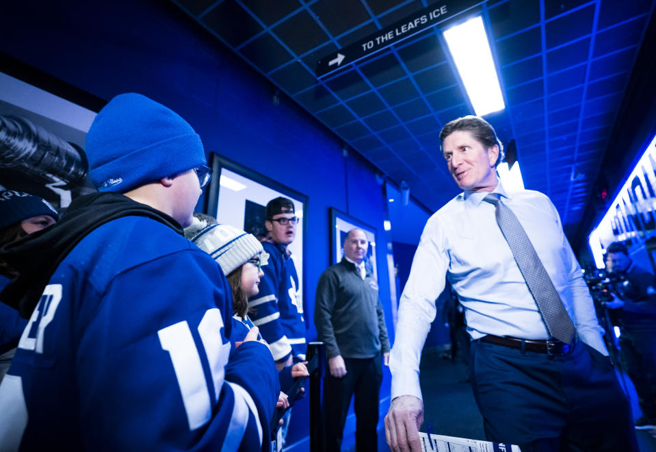 Mike Babcock will be back in the spotlight this season. (Photo by Mark Blinch/NHLI via Getty Images)