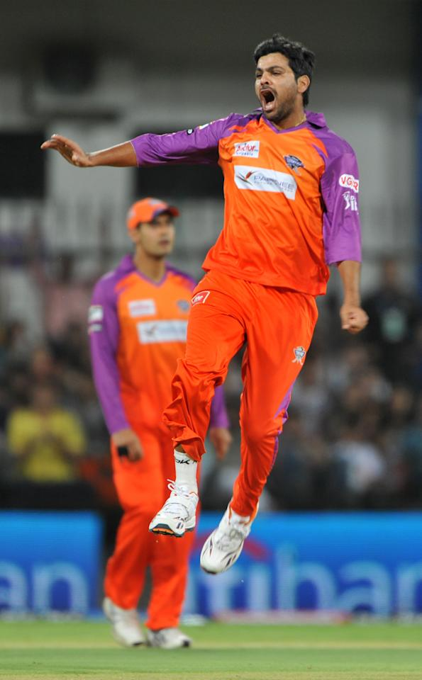RESTRICTED TO EDITORIAL USE. MOBILE USE WITHIN NEWS PACKAG Kochi Tuskers Kerala bowler RP Singh celebrates after he dismissed Kings XI Punjab Shaun Marsh during the IPL Twenty20 match between Kochi Tuskers Kerala and Kings XI  Punjab at The Holkar Stadium in Indore on May 13, 2011. AFP PHOTO / Sajjad HUSSAIN (Photo credit should read SAJJAD HUSSAIN/AFP/Getty Images)