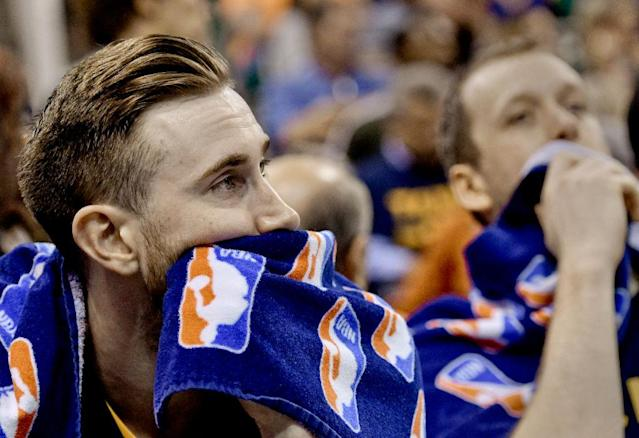 """<a class=""""link rapid-noclick-resp"""" href=""""/nba/players/4724/"""" data-ylk=""""slk:Gordon Hayward"""">Gordon Hayward</a> sits on the bench as time expires in Utah's season-ending 121-95 loss to the Warriors in Game 4 of the 2017 Western Conference Semifinals. (Gene Sweeney Jr/Getty Images)"""