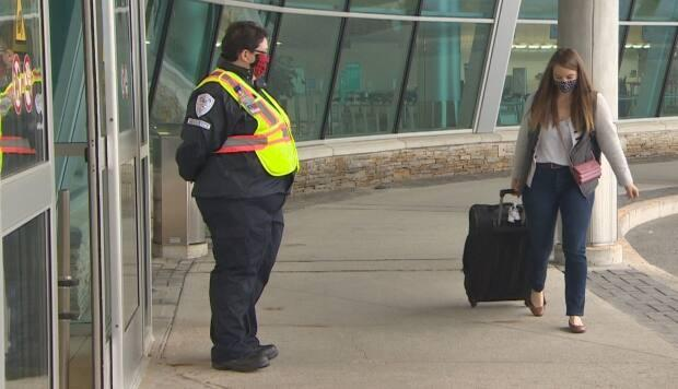Want to travel?  Nova Scotia announced Tuesday that people from Newfoundland and Labrador don't have to self-isolate upon arriving anymore. However, when returning home, provincial self-isolation guidelines still apply.  (Gary Locke/CBC - image credit)