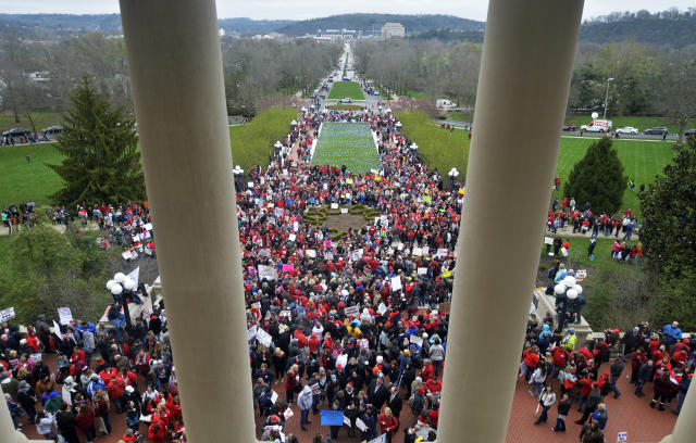A massive rally in Kentucky for increased education funding. (Photo: Timothy D. Easley/AP)