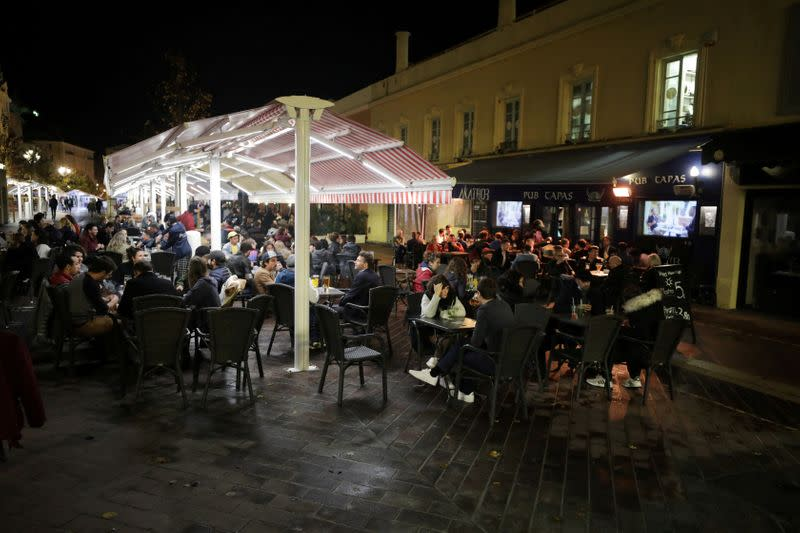 FILE PHOTO: Restaurants before the nightly curfew in Nice