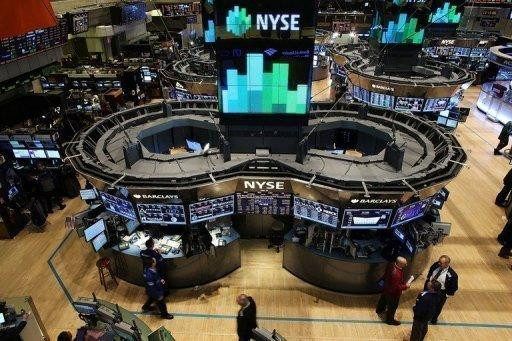 US stocks edge up on fresh hopes for 'cliff' deal