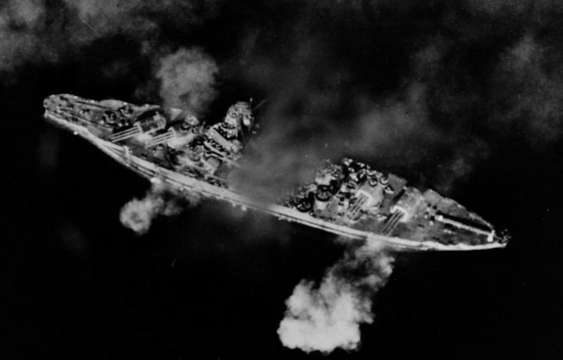 By Unknown USN photographer - history.navy.mil, Public Domain, https://en.wikipedia.org/w/index.php?curid=59620683